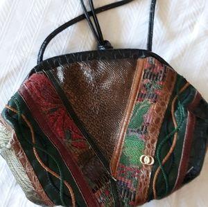 Leather hinged shoulder bag